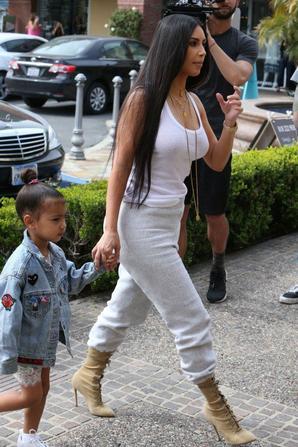 Kourtney Kardashian & Penelope Disick & Sa Soeur Kim Kardashian & Sa Fille North West