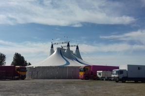 """""""Reportage Lucrio numėro 1 ėtė 2018:Le cirque sur l'eau aux Sables d'olonne""""."""