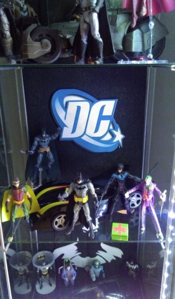 vitrine dc comics