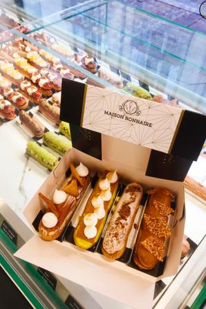 Si vous Passez à Montpellier, n'hésitez pas à aller admirer les somptueux éclairs de la boulangerie-pâtisserie Maison Bonnaire !
