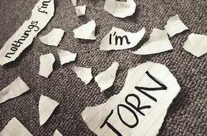 """Y a t-il une chanson qui vous gonflez à l'époque de sa sortie mais que vous avez fini par adorer  ? Je peux citer  """"Torn"""", le tube de 1997 de Natalie Imbruglia, en ce qui me concerne."""