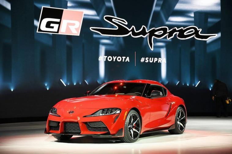 La Toyota GR Supra  est animée par un moteur à six cylindres en ligne 3.0 turbo de 335 ch.