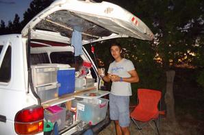 Camping dans la nature et douche solaire australie - Douche solaire camping car ...