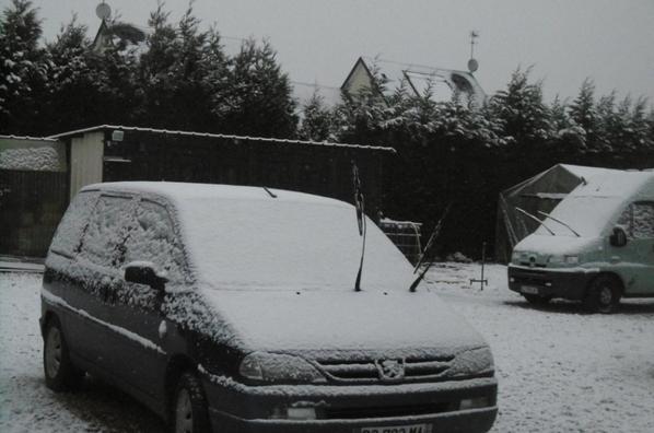 la  neige arrive