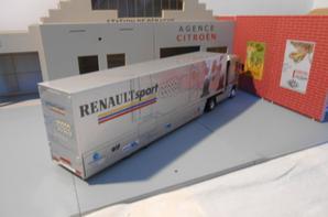 tracteur renault magnum avec semi-remorque des tp de chez renault sport f1 de chez eligor au 1/43.