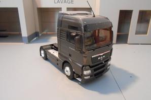 tracteur man tgx 18.540ch euro5 de chez eligor au 1/43.