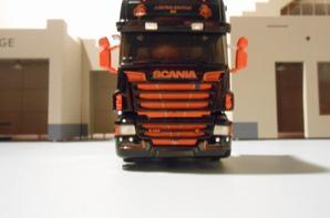 tracteur scania R de 560ch des tp staf de chez eligor au 1/43.