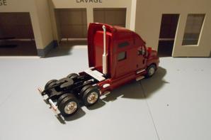 tracteur kenworth t 2000 de chez eligor au 1/43.