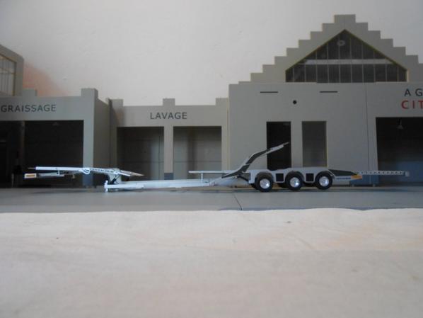 remorque porte camion de marque rolfo centaurus au 1/43.la remorque porte camion a été fait artisanalement fait a la main.