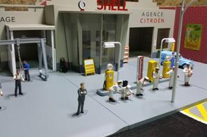 personnages et accessoires du garage moderne.