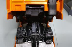 tracteur daf xf 106 superspace de 460ch avec semi-remorque lamberet groupe g7 de chez eligor au 1/43.