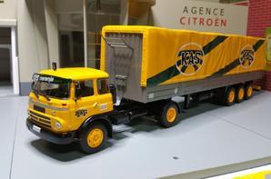 tracteur barreiros super azor gran ruta (1965-1969) 170ch avec semi-remorque des tp kas de chez ixo au 1/43.(édition altaya numéro 15 semi-remorque d'exception).