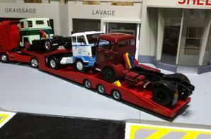 tracteur scania r de chez eligor au 1/43 avec semi-remorque porte camion au 1/43 en provenance de russie.
