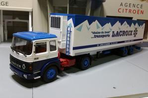 tracteur saviem ps 30 t de 280ch (1977-1980) avec semi-remorque des tp lacroix de chez ixo au 1/43.(édition altaya semi-remorque d'exception numéro 18).