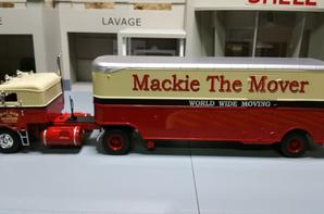 tracteur kenworth bullnose de 1950 avec semi-remorque des tp mackie the mover de chez ixo au 1/43.(édition altaya un des cadeau semi-remorque d'exception).