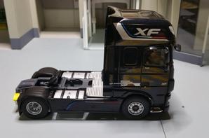 tracteur daf xf euro 6 510ch superspace cab série speciale daf édition prestige de chez eligor au 1/43.