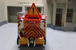 le fourgon-pompe tonne secours routier magirus-camiva sur iveco du sdis du loiret au 1/43.(édition hachette numéro 68 camions&véhicules de sapeurs-pompiers).