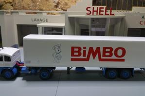 tracteur pegaso 2011/50 (1964-1972) des trp bimbo de chez ixo au 1/43.(édition altaya numéro 42 semi-remorque d'exception).