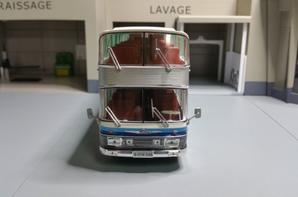 neoplan nh22 skyliner allemagne 1983 modèle ixo au 1/43.(édition hachette numéro 21 autobus et autocars du monde).