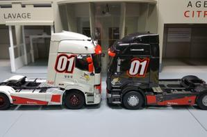 tracteur renault range t 460 01 et tracteur renault premium dxi 01 modèle eligor au 1/43.(le nouveau et l'ancien)