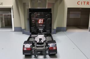 tracteur renault premium dxi 01 modèle eligor au 1/43.