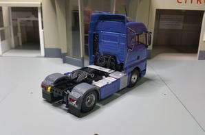 tracteur man tgx 18.480 euros 6 xlx capella blue modéle eligor au 1/43.