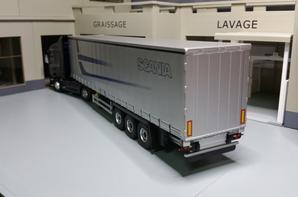 scania g450 streamline semi-remorque tautliner scania modèle eligor au 1/43.