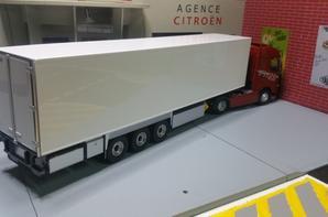 volvo fh 25 year édition semi-remorque frigo modèle eligor au 1/43.