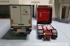 tracteur mercedes-benz actros streamspace mp4 1851 avec semi-remorque frigo aubineau des trs lauratrans modèle eligor au 1/43.