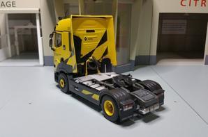 tracteur renault trucks t520 high renault sport racing modèle eligor au 1/43.