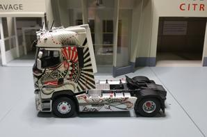 tracteur renault trucks t 520 maxispace tatoo modèle eligor au 1/43.