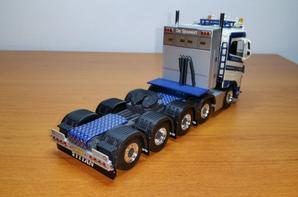 le tracteur volvo fh4 transport schoones b.v en détails modèle wsi au 1/50.