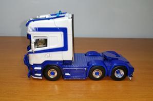 tracteur scania 6x2 transports sadler modèle wsi au 1/50.