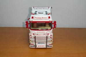scania r highline 6x2 transports hervouin modèle wsi au 1/50.