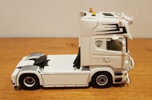 scania topline 4x2 transport helleux modèle wsi au 1/50.