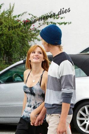 Bella Thorne et son petit ami <3<3<3