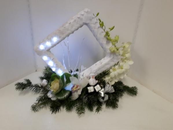 stage de noel au cours de fleur'art à l'abadie : création d'un encadrement lumineux