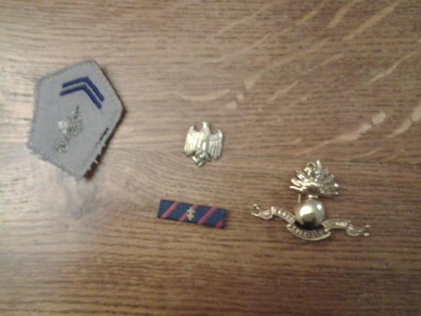 Dont d'un très gentil monsieur qui ma offert ses 4 insignes