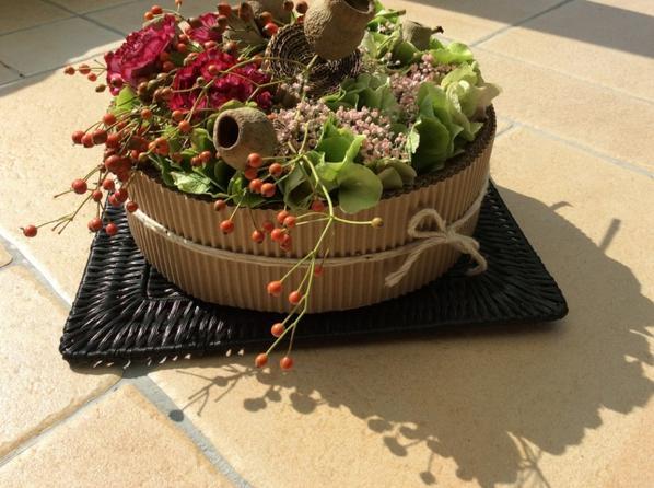 Gâteau fleurs et carton