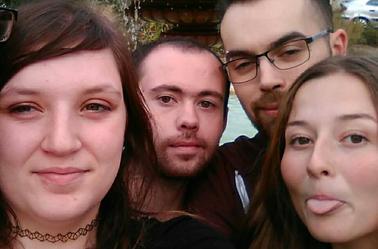 mes amis qui sont comme de ma famille