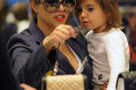 32ea89efc68f Kardashians Finally Kris Jenner finds a bag big enough for all her make-up!