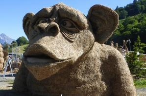 sculpture en paille à valloire