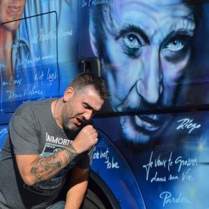 Ma passion des camions oui et grand grand FAN de Johnny ...