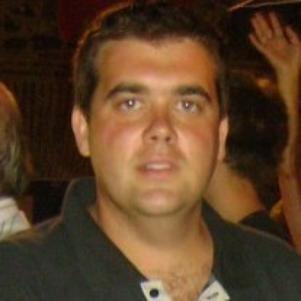 Victor M Lopez Naharro