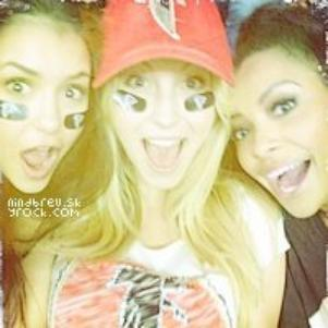 Nina, Candice et Katerina
