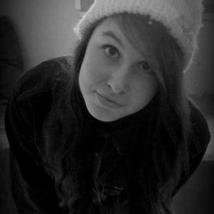 Salut, moi c'est Karo et je et des bonnets a l'intérieur. :3