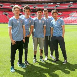 One Direction en mode foot