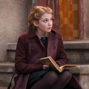 Liesel Meminger , La voleuse de livres (Sophie Nélisse)
