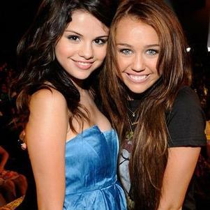 Séléna Gomez et Miley Cyrus
