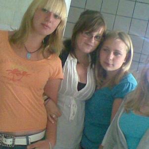 Marine, Justine, Moi et Laura <3